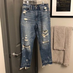 Cropped girlfriend jeans with holes